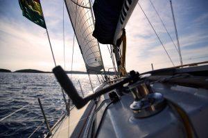 eventi aziendali estivi mare lago barca a vela