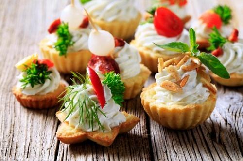 Un nome complicato per un concetto semplice: cibo (di qualità) da mangiare con le mani.