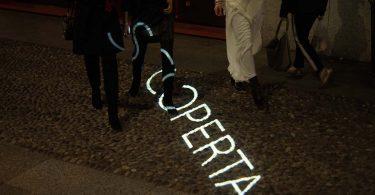 guerrilla marketing aveda milano brera store light