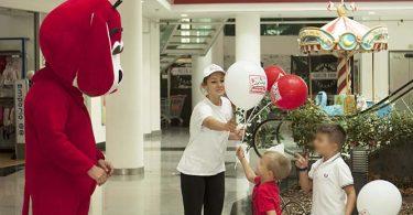 maxi zoo evento giochi mascotte palloncini bimbi