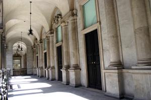 palazzo giureconsulti milano location