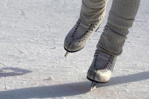pattinaggio sport team building neve