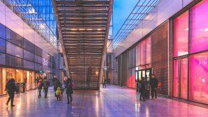 pop-up shop idee creative mall colori vetrine