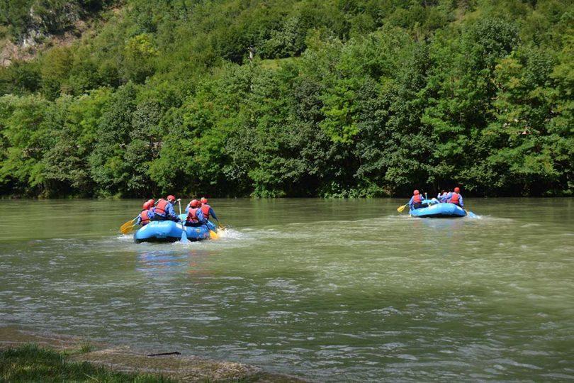 voyage privé rafting team building 19